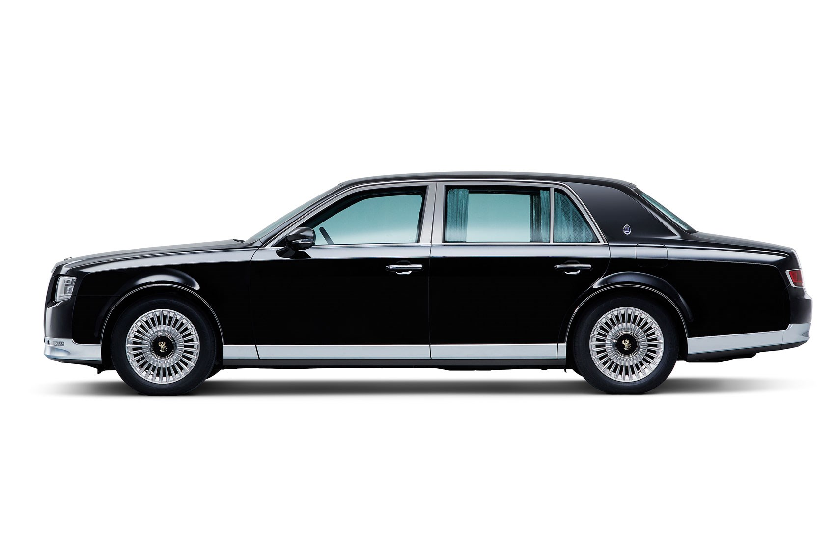 new toyota century limo brings old school class to tokyo