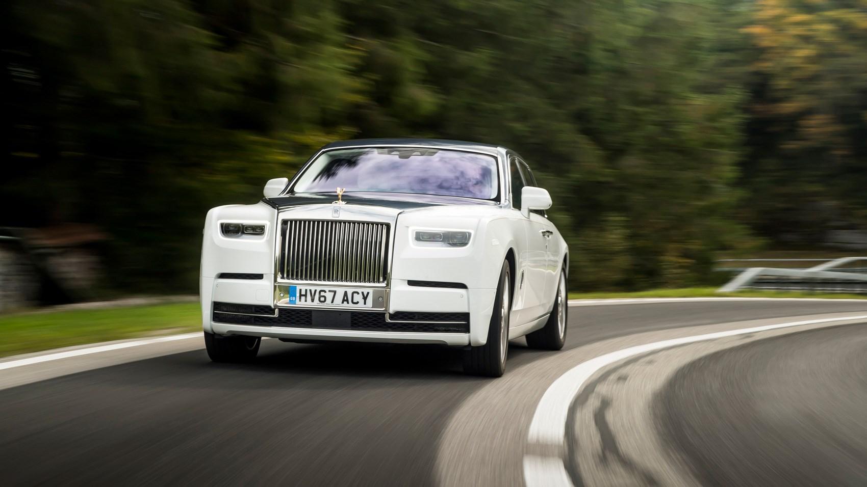 Rolls-Royce Phantom front cornering