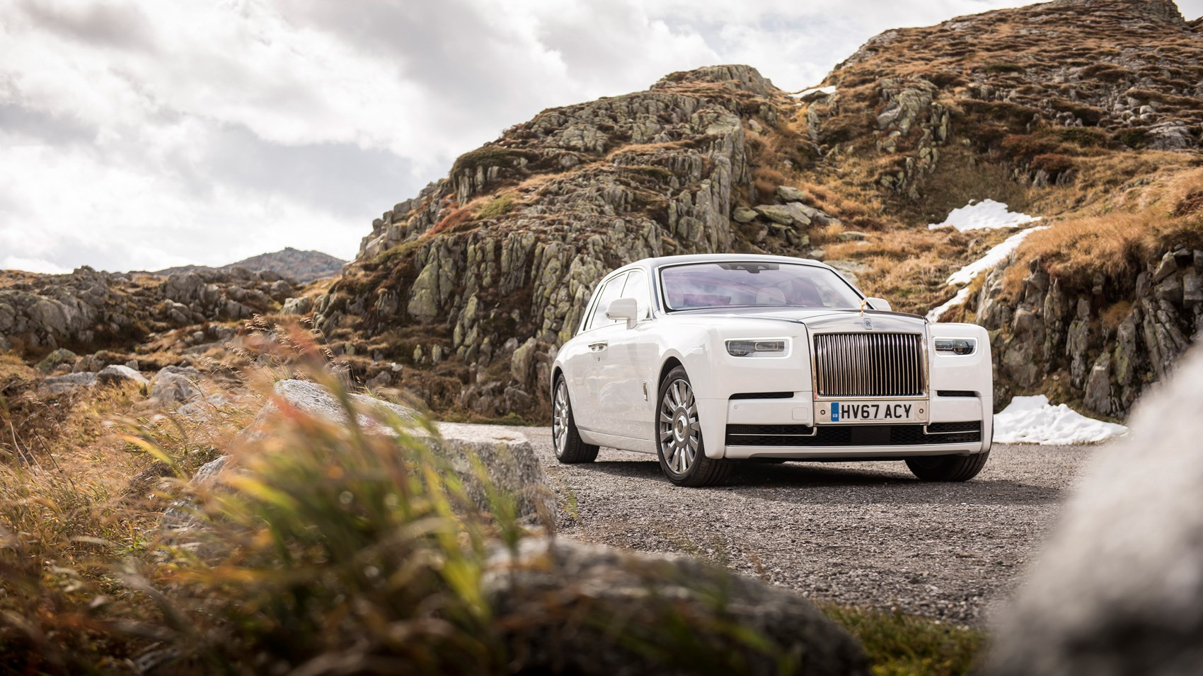 Rolls-Royce Phantom front quarter