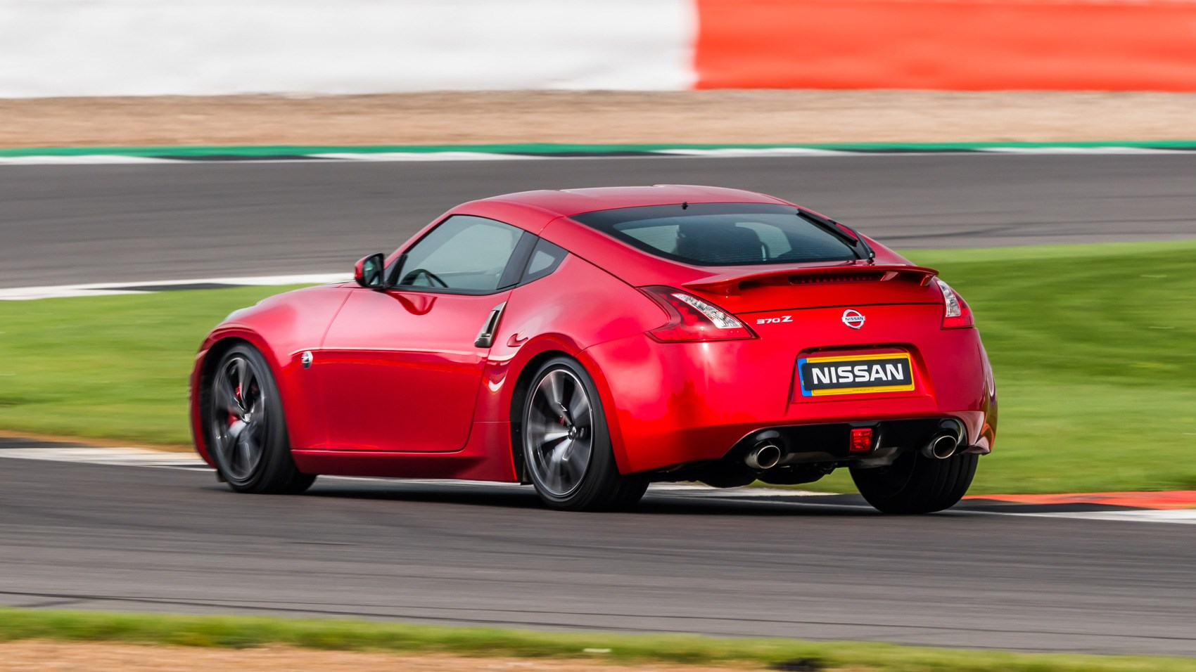 nissan 370z gt 2017 review by car magazine. Black Bedroom Furniture Sets. Home Design Ideas