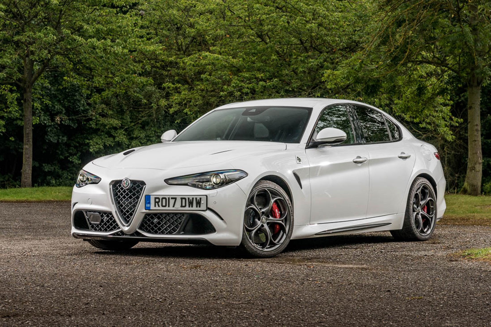 alfa romeo giulia quadrifoglio long term test review by car magazine. Black Bedroom Furniture Sets. Home Design Ideas