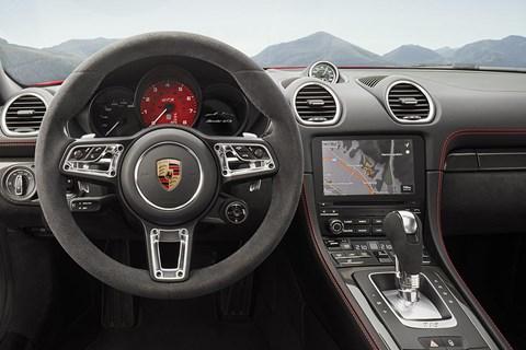 Porsche 718 GTS interior