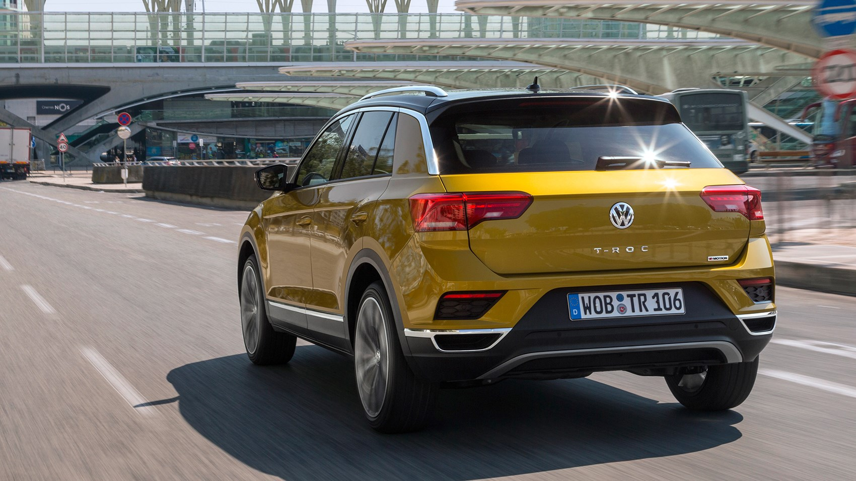 vw t roc suv 2017 review car magazine. Black Bedroom Furniture Sets. Home Design Ideas