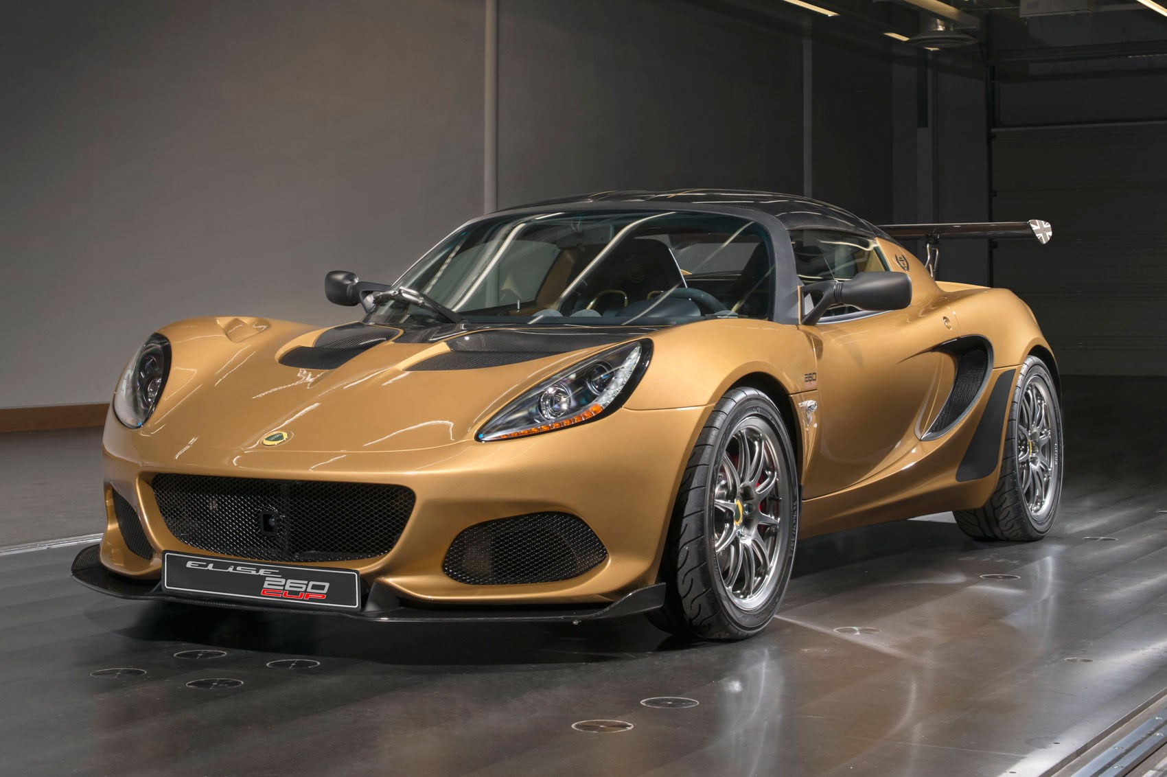 lotus elise cup 260 ultimate elise is a racer for the road by car magazine. Black Bedroom Furniture Sets. Home Design Ideas