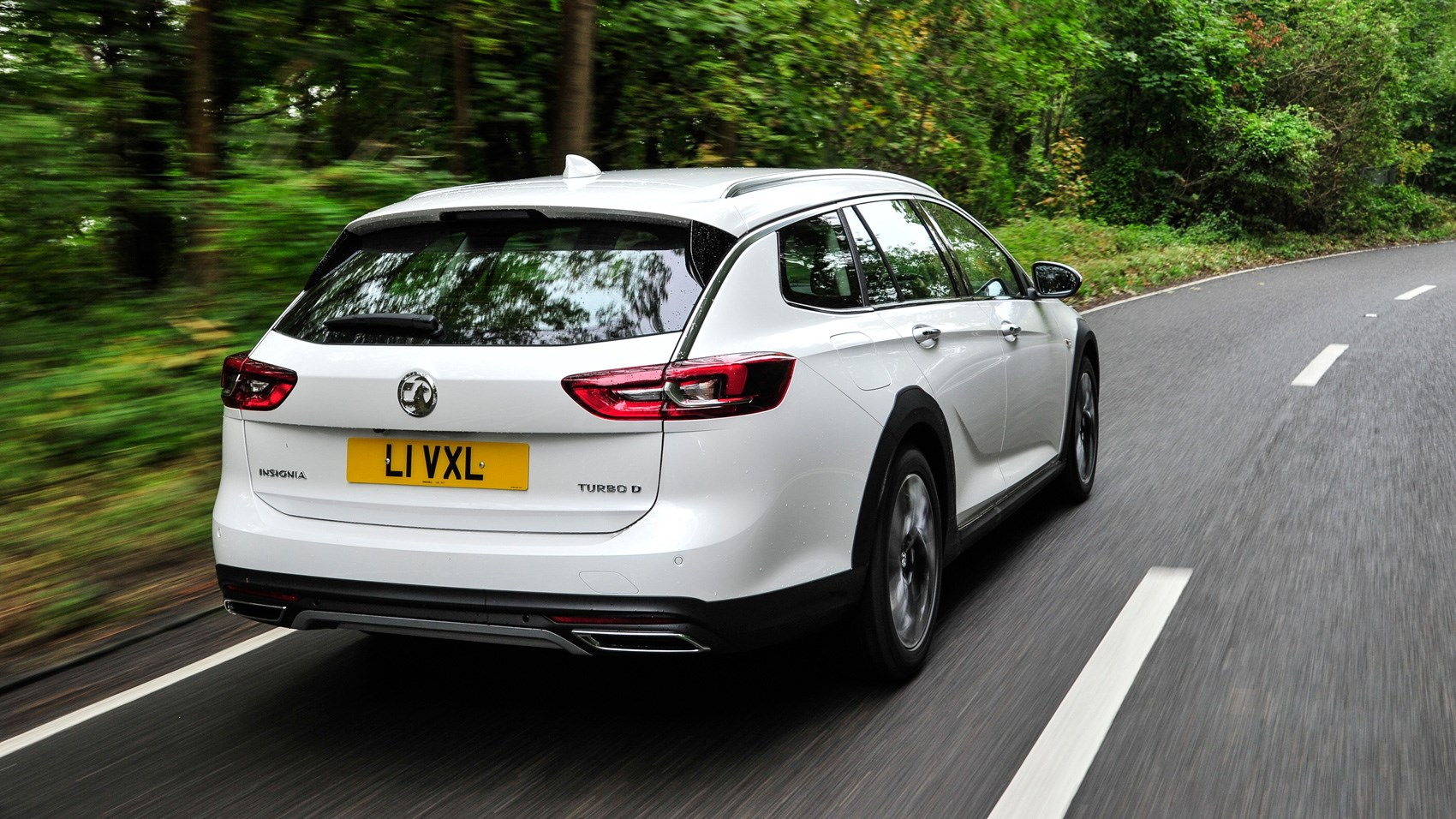Vauxhall Insignia Country Tourer rear tracking