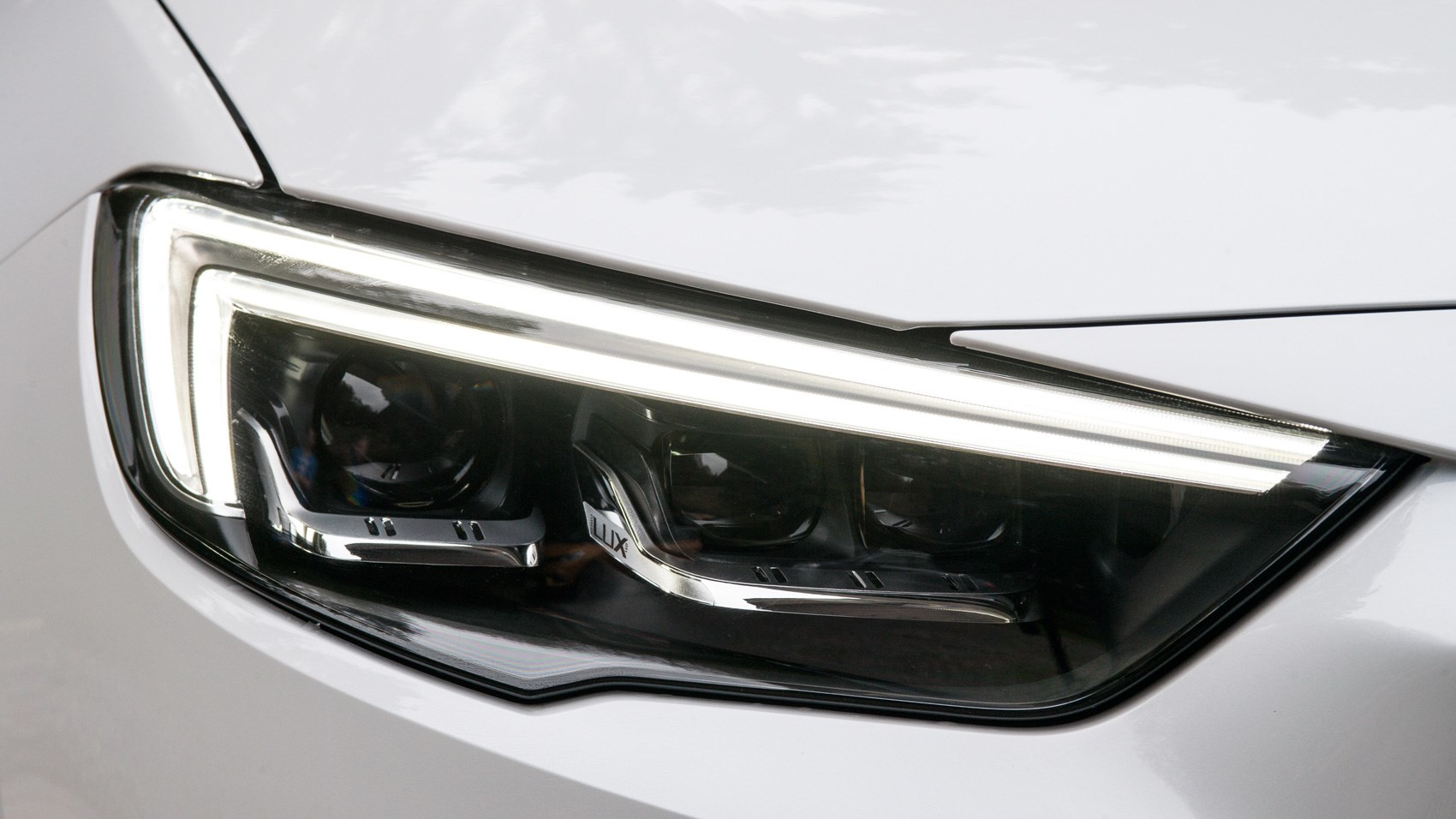 Vauxhall Insignia Country Tourer headlight