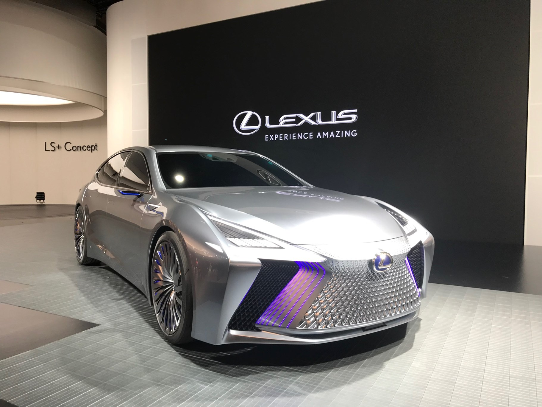 https://car-images.bauersecure.com/pagefiles/77199/lexus-ls-plus-01.jpg