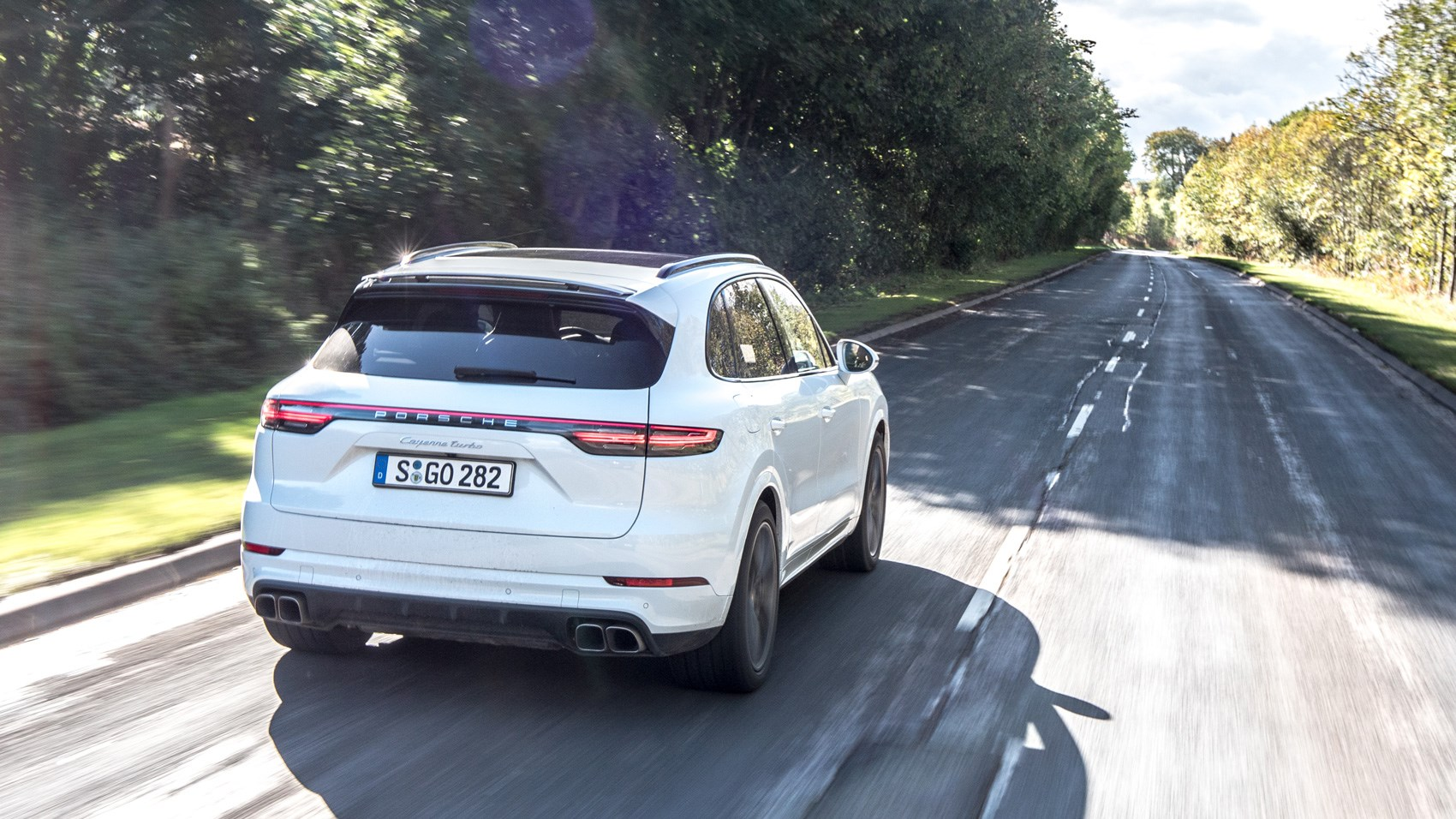 Porsche Cayenne Turbo rear tracking