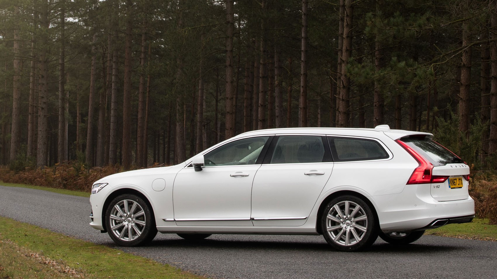 Volvo V90 T8 Twin Engine 2017 Review Car Magazine