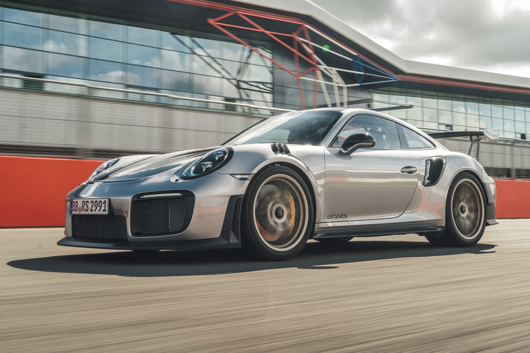 Porsche 911 GT2 RS (2017) Review