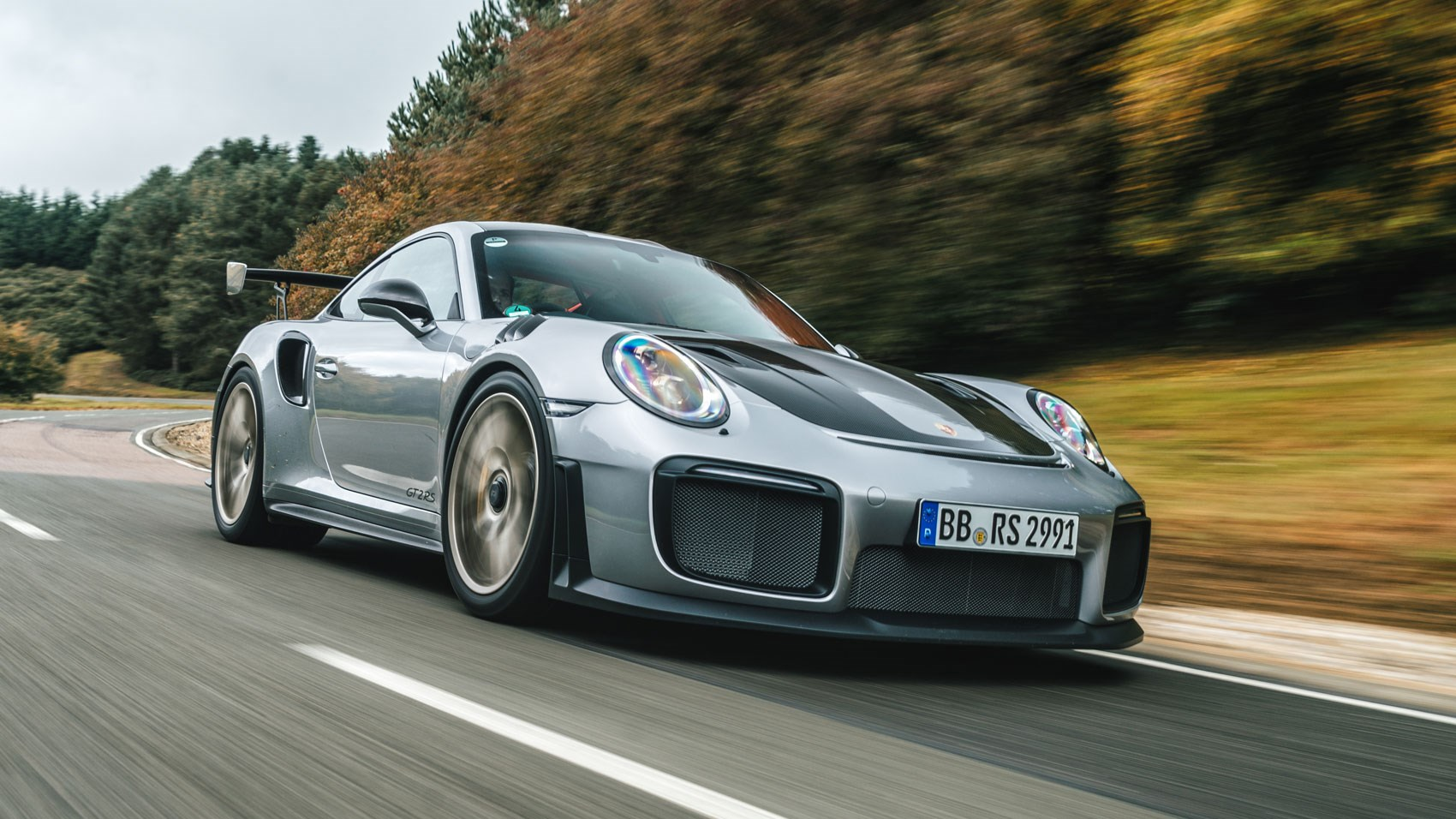 New 2018 Porsche 911 Gt2 Rs Review By Car Magazine