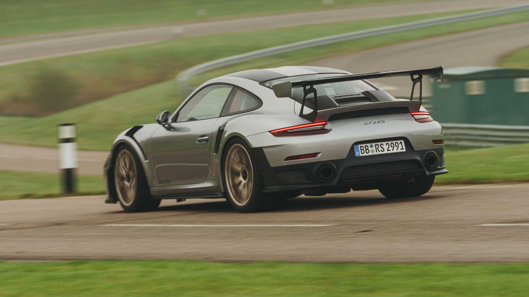 Porsche 911 GT2 RS (2018) review
