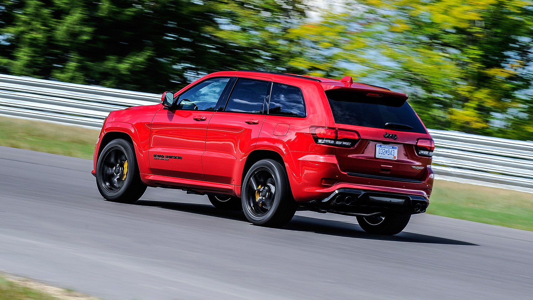 Jeep Grand Cherokee Trackhawk rear tracking