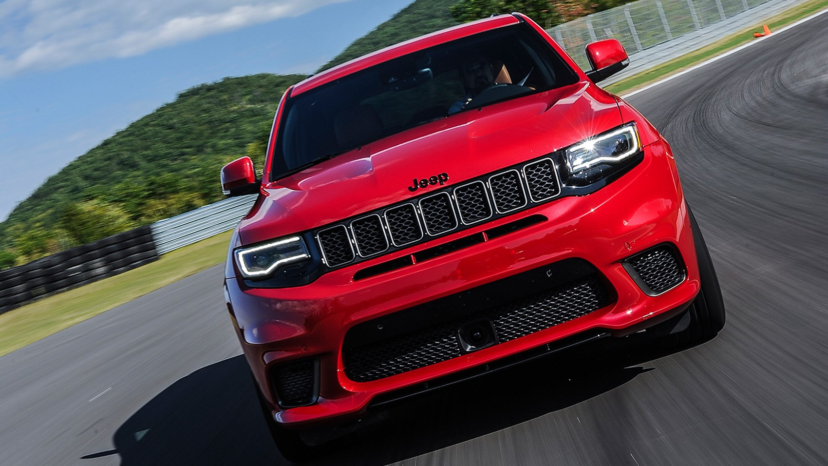 Jeep Grand Cherokee Trackhawk front end tracking