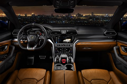 Lamborghini Urus interior