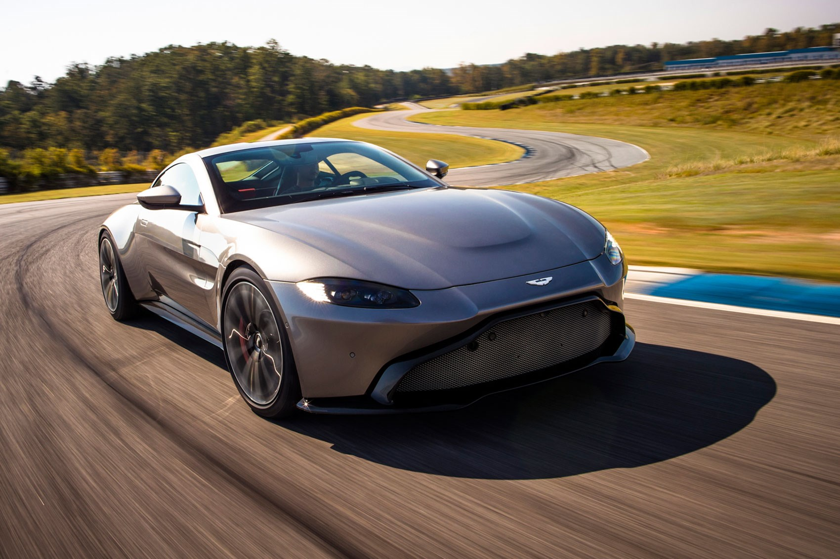 Land Rover Marin >> The new 2018 Aston Martin Vantage revealed in pictures by ...