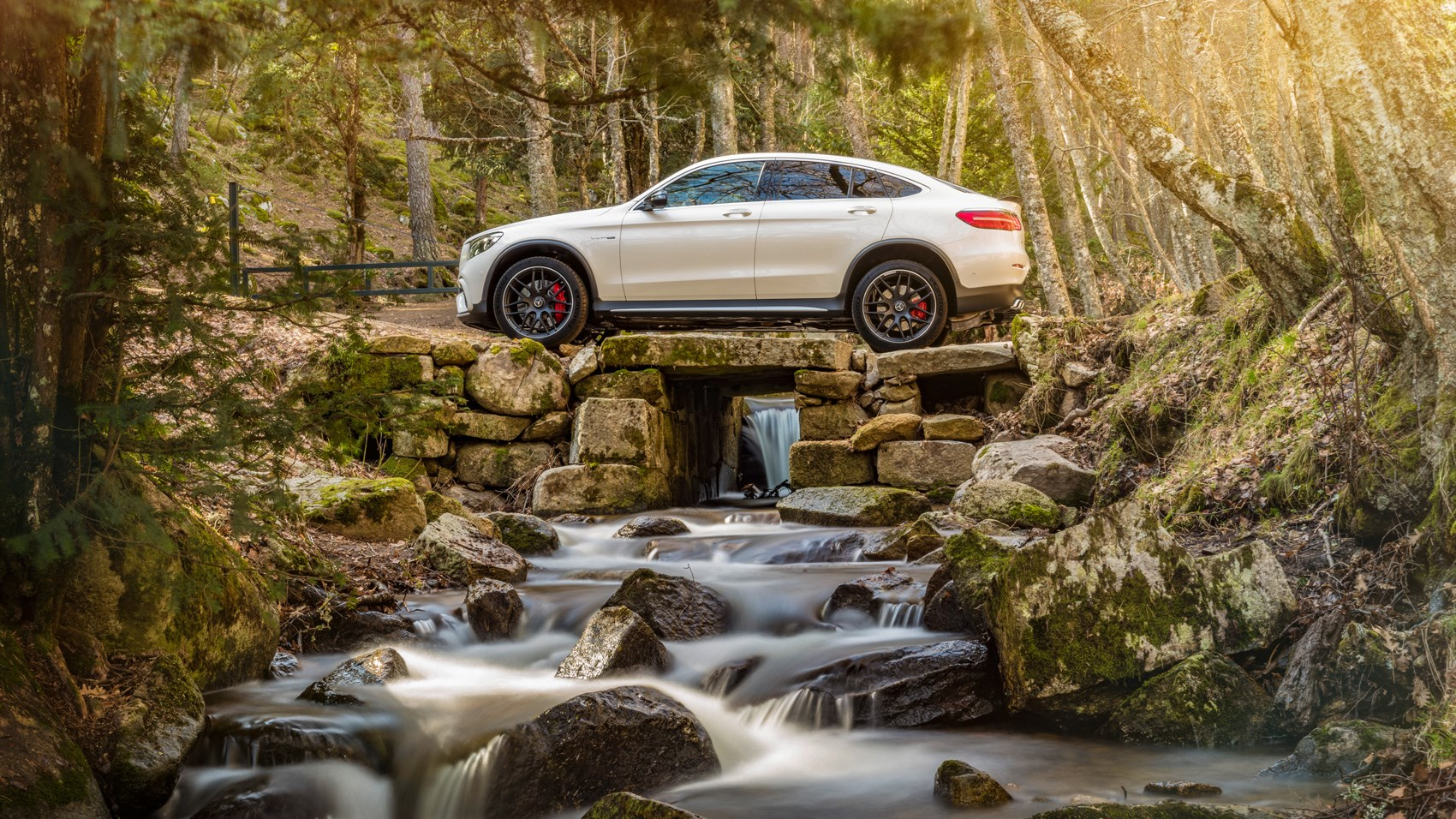 Mercedes-AMG GLC63 S 4Matic Coupe side