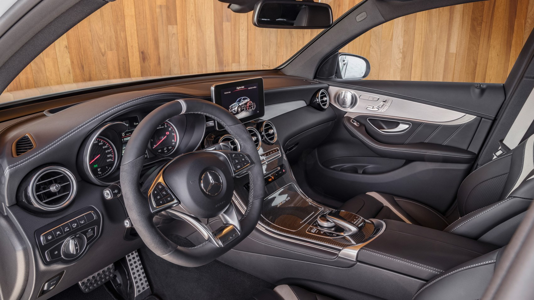 Mercedes-AMG GLC63 S 4Matic Coupe interior