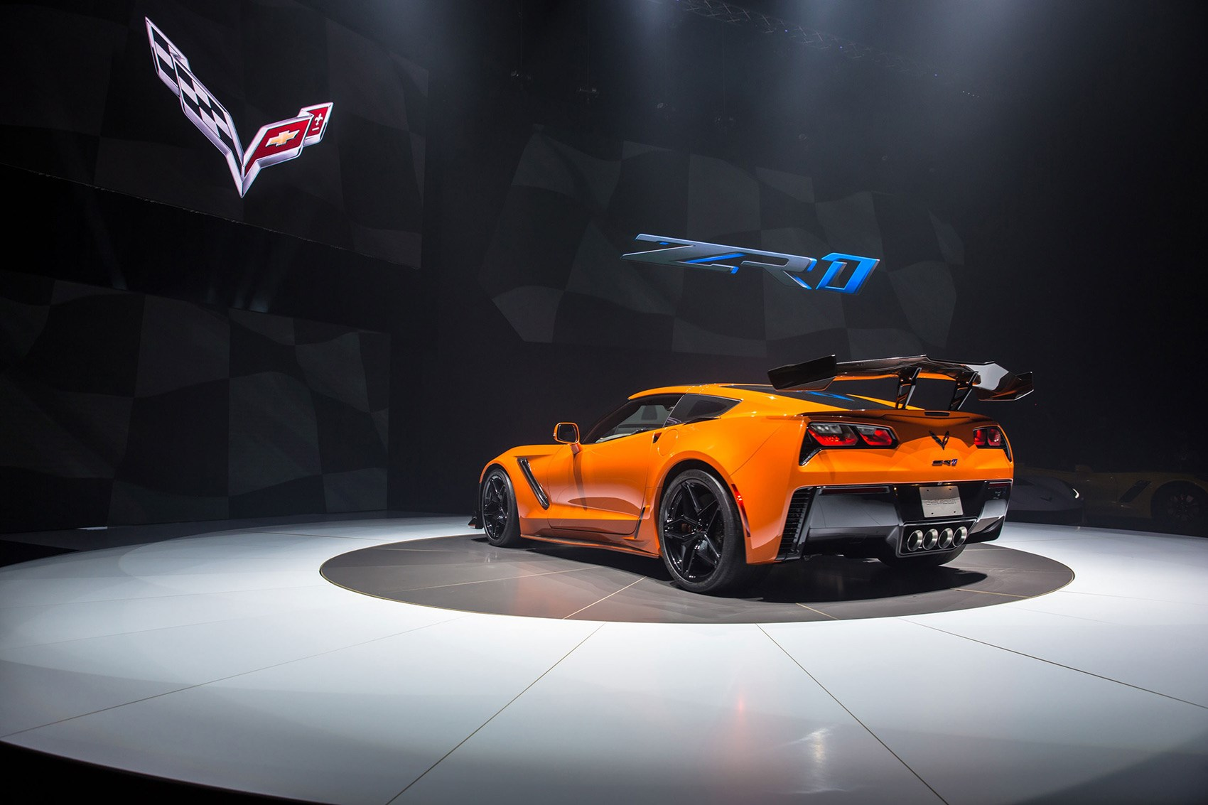 Beau The New 2019 Corvette ZR1 Is Here ...