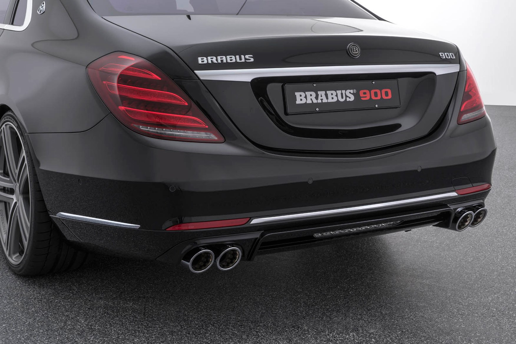 Demonic limo: Mercedes S-class facelift gets 888bhp Brabus ...