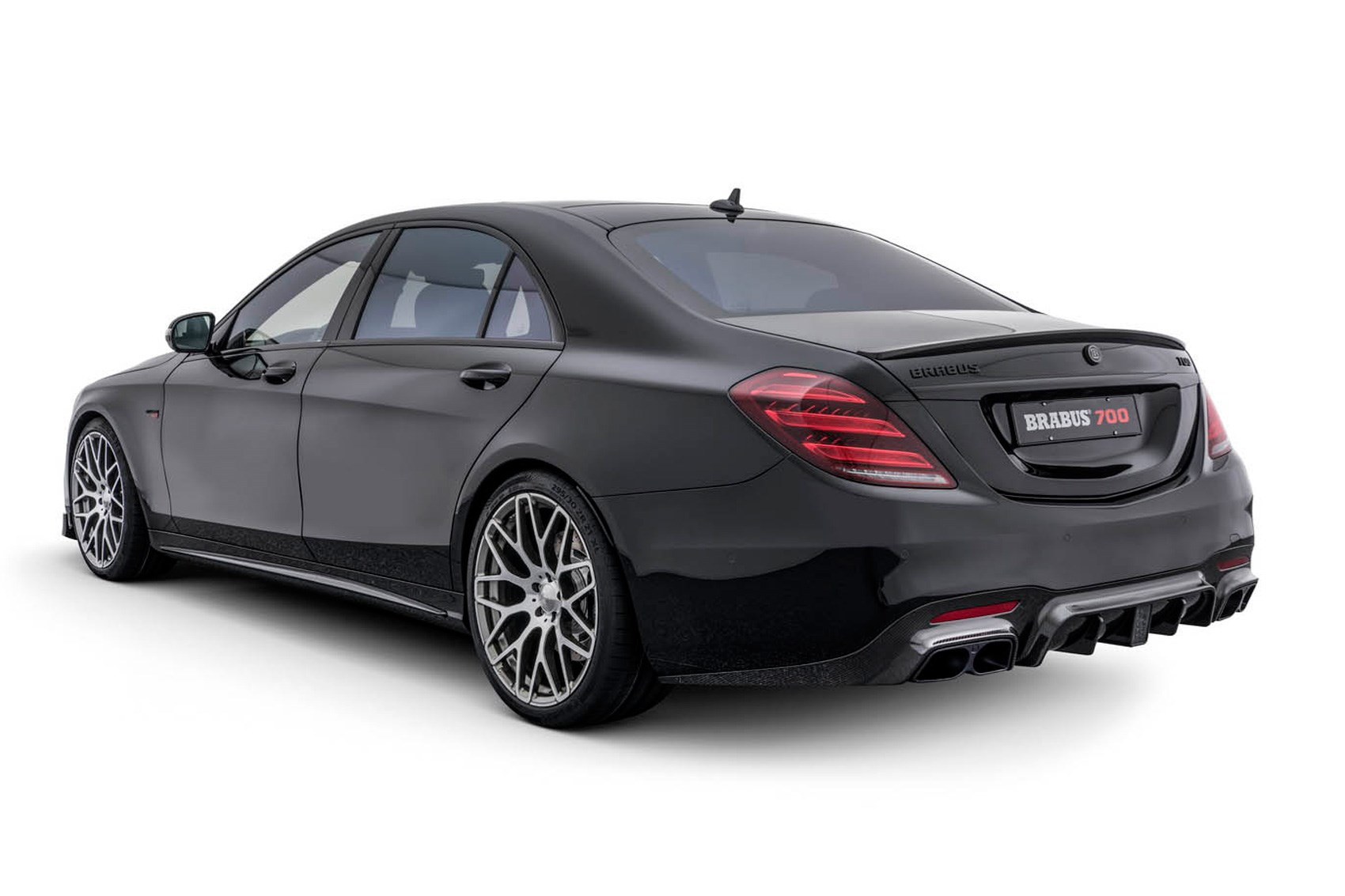 Demonic limo mercedes s class facelift gets 888bhp brabus for 2017 mercedes benz s550 lease
