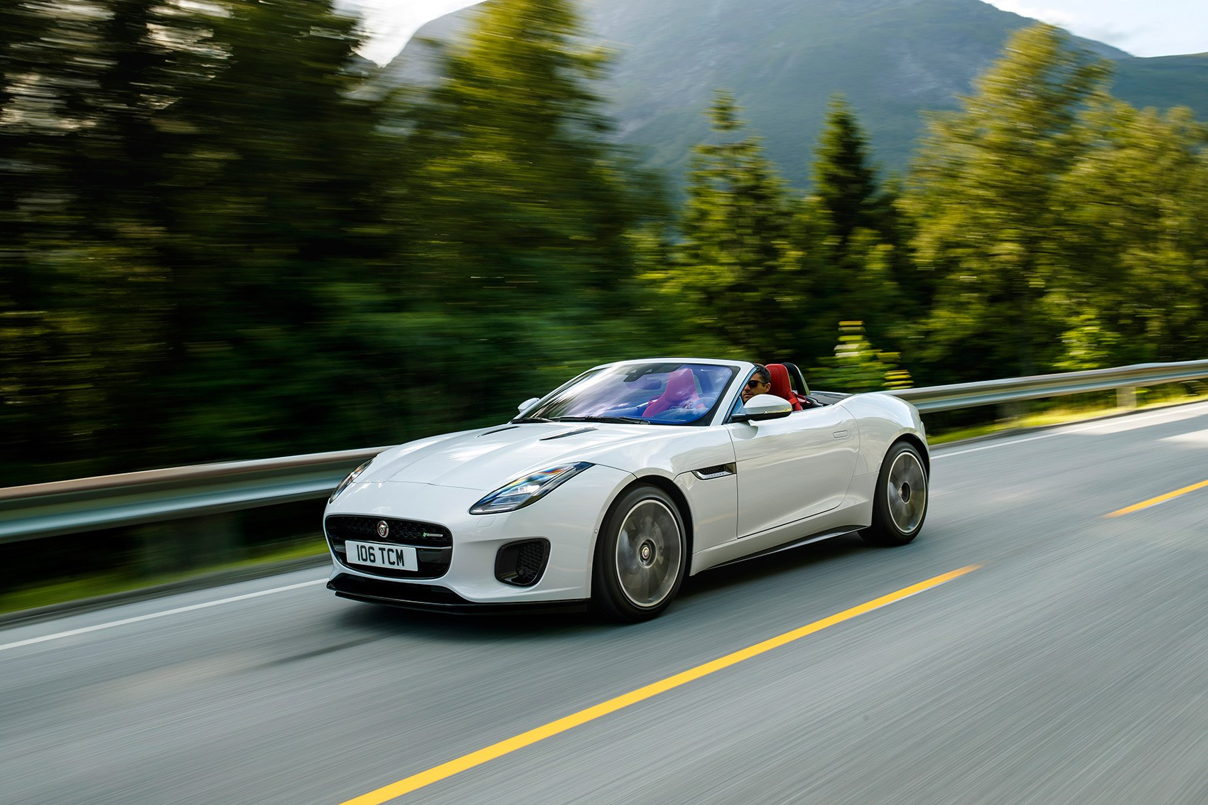 BMW Used For Sale >> Jaguar F-type Convertible 2.0 300ps R-Dynamic (2017 ...
