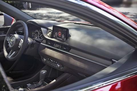 Mazda 6 facelift interior