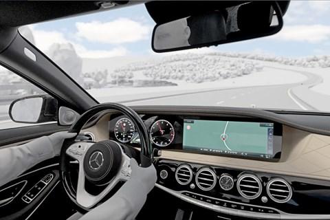 Mercedes Eco Assist interior