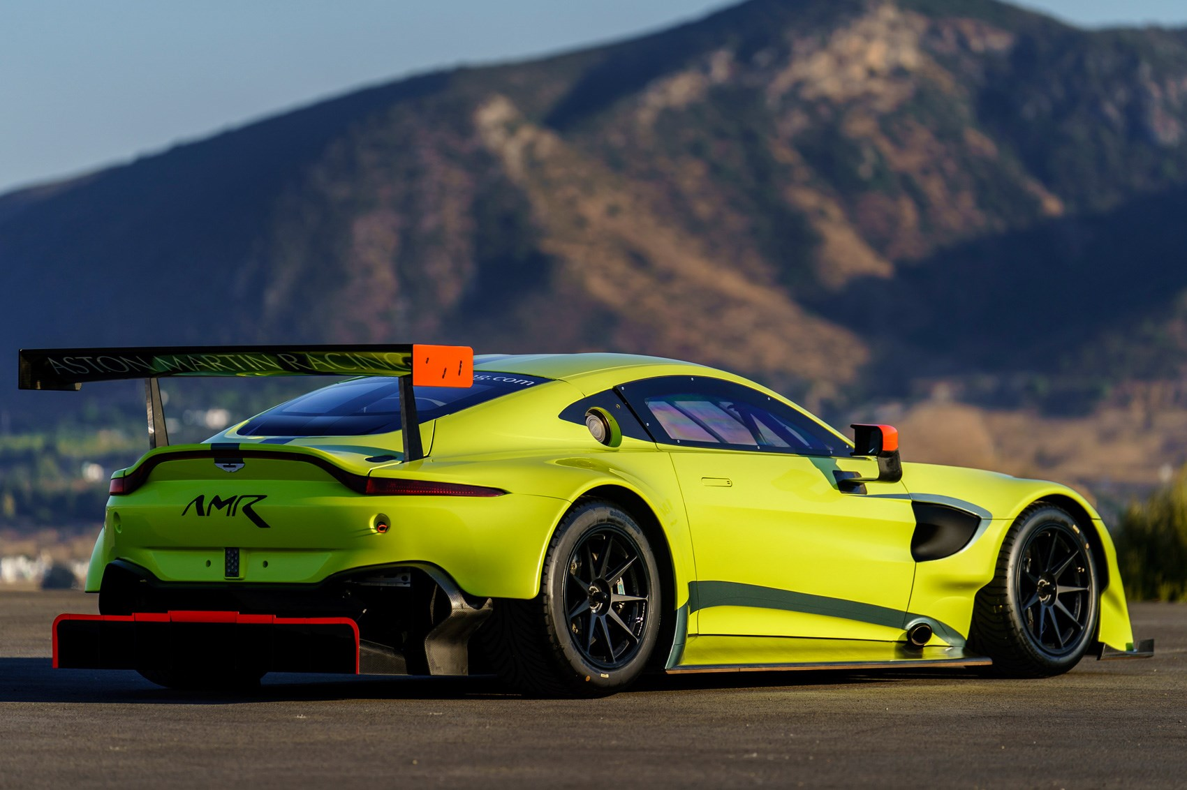 meet the world eater new aston martin racing vantage gte revealed by car magazine. Black Bedroom Furniture Sets. Home Design Ideas