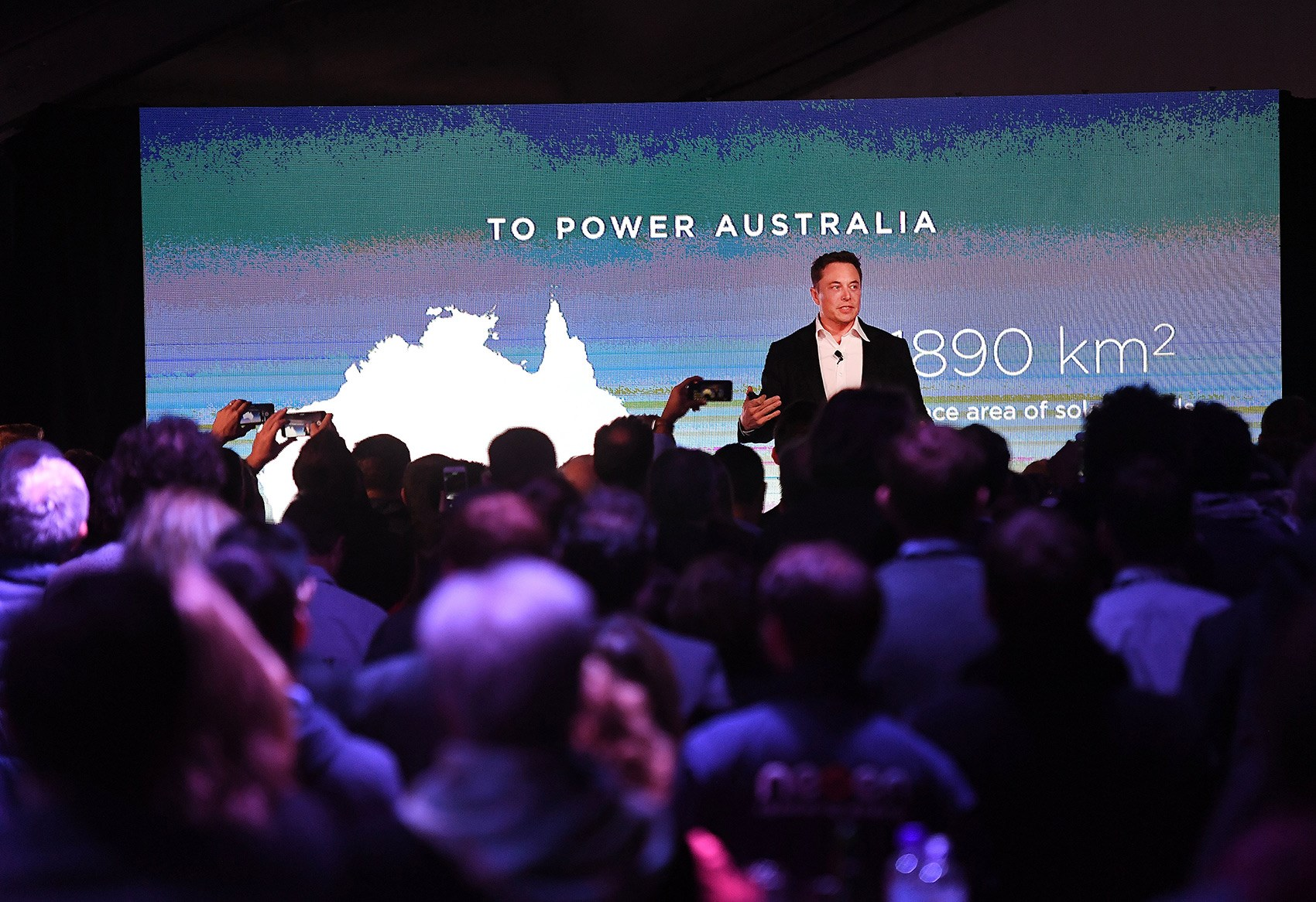 Elon Musk Bloody Does It Again, Completes World's Biggest Battery In SA