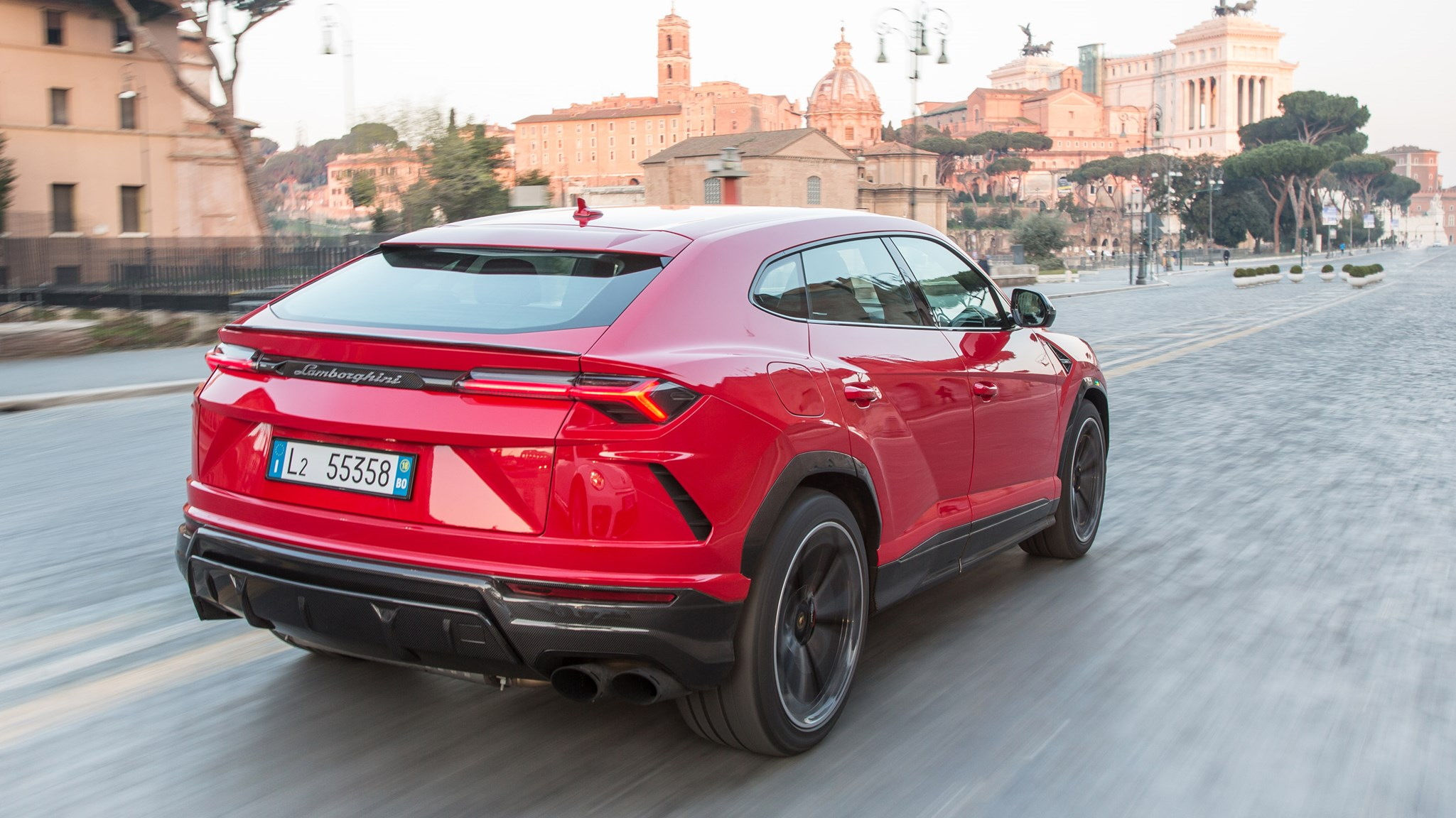 Lamborghini Urus Suv Uk Review Car Magazine