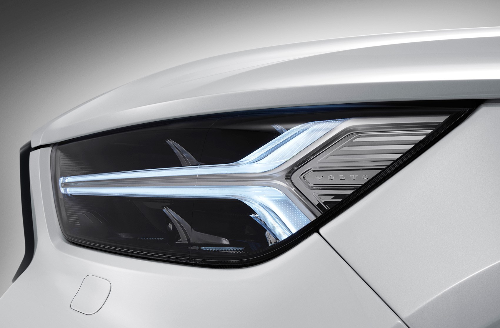 Volvo's Thor's Hammer headlamps