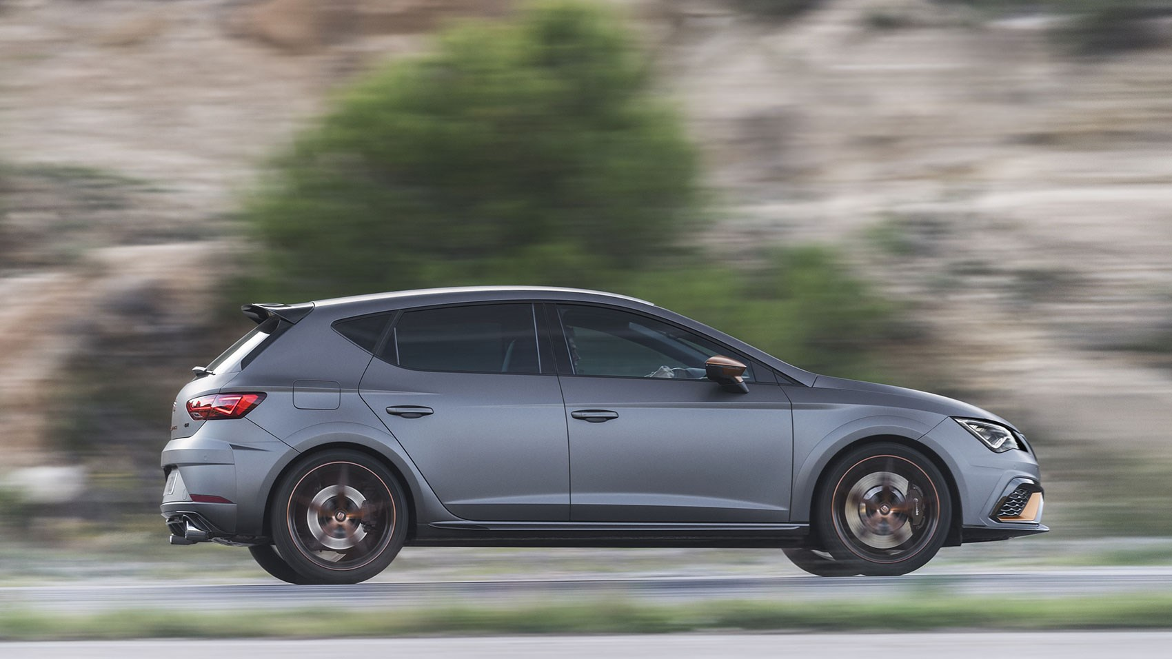 seat leon cupra r 2018 review by car magazine. Black Bedroom Furniture Sets. Home Design Ideas