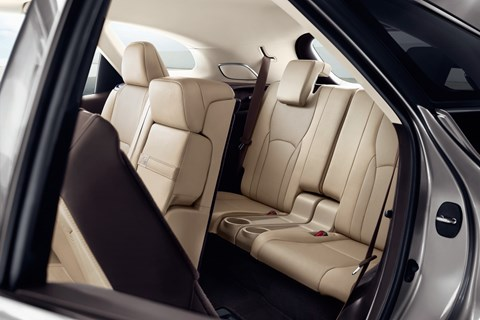 Lexus RX-L rear seats