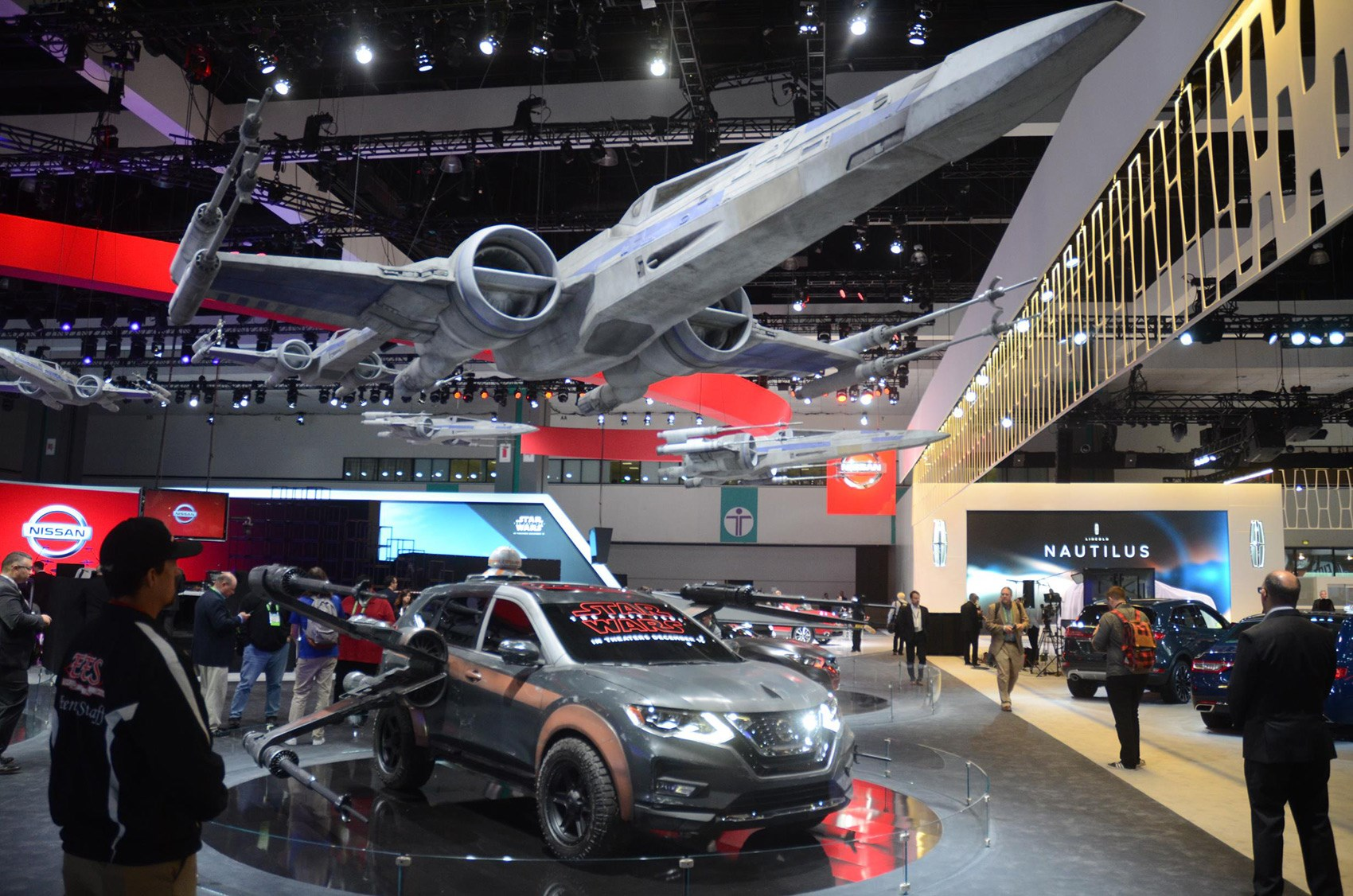 Star Wars Gimmicks On The Nissan Stand At La Motor Show