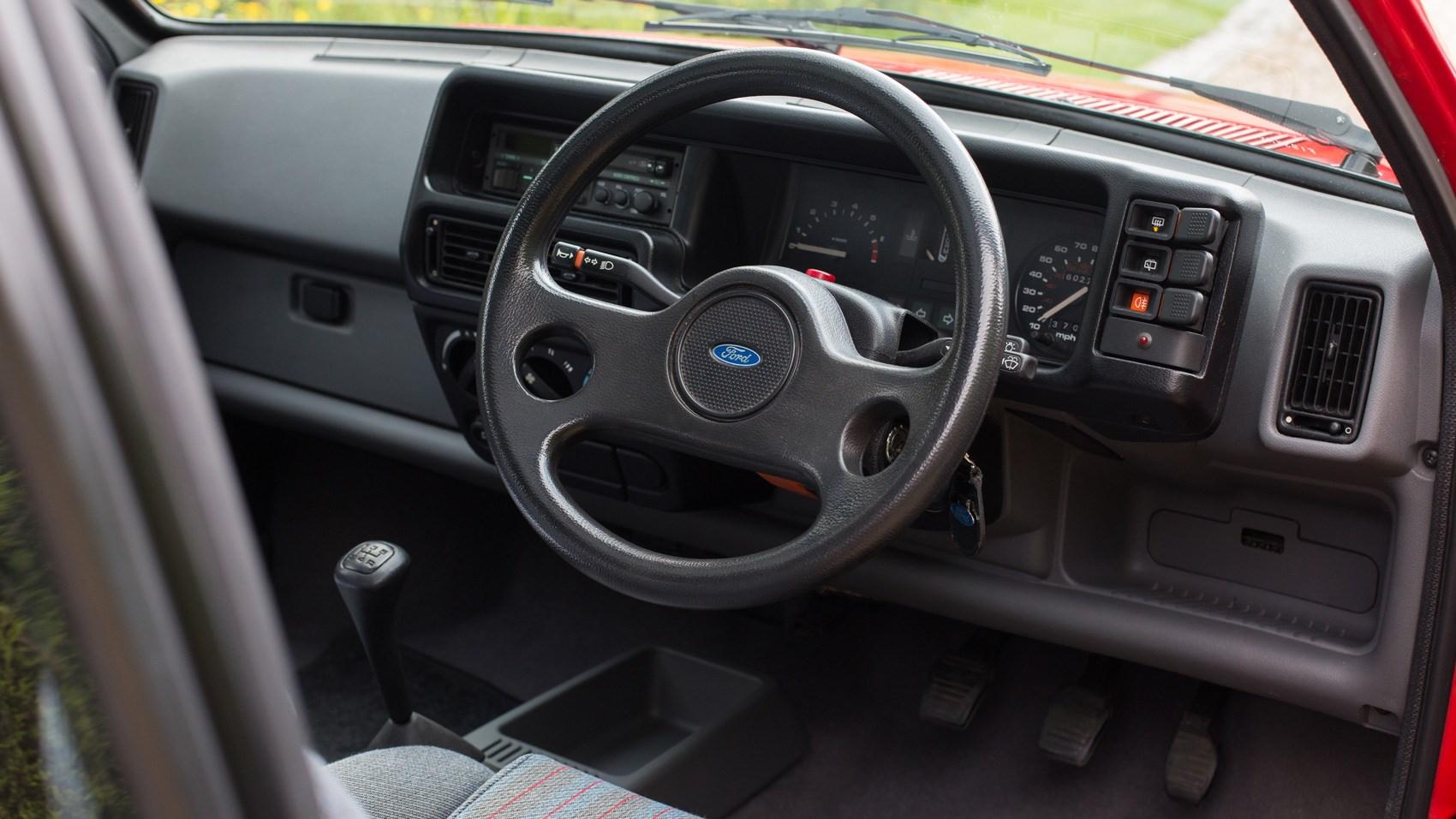 Ford Fiesta XR2 interior