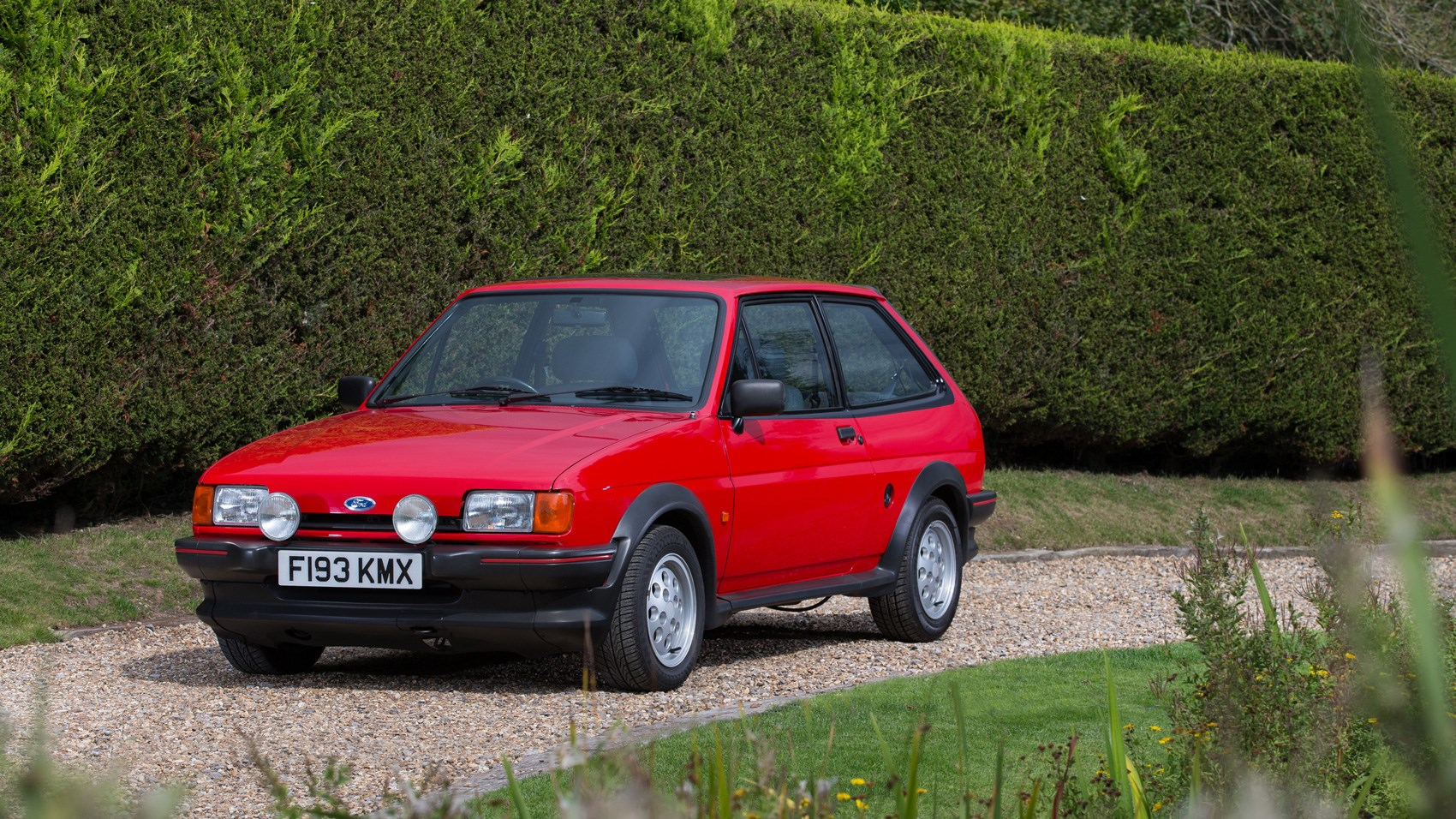 driving  classics ford fiesta xr  review  car magazine