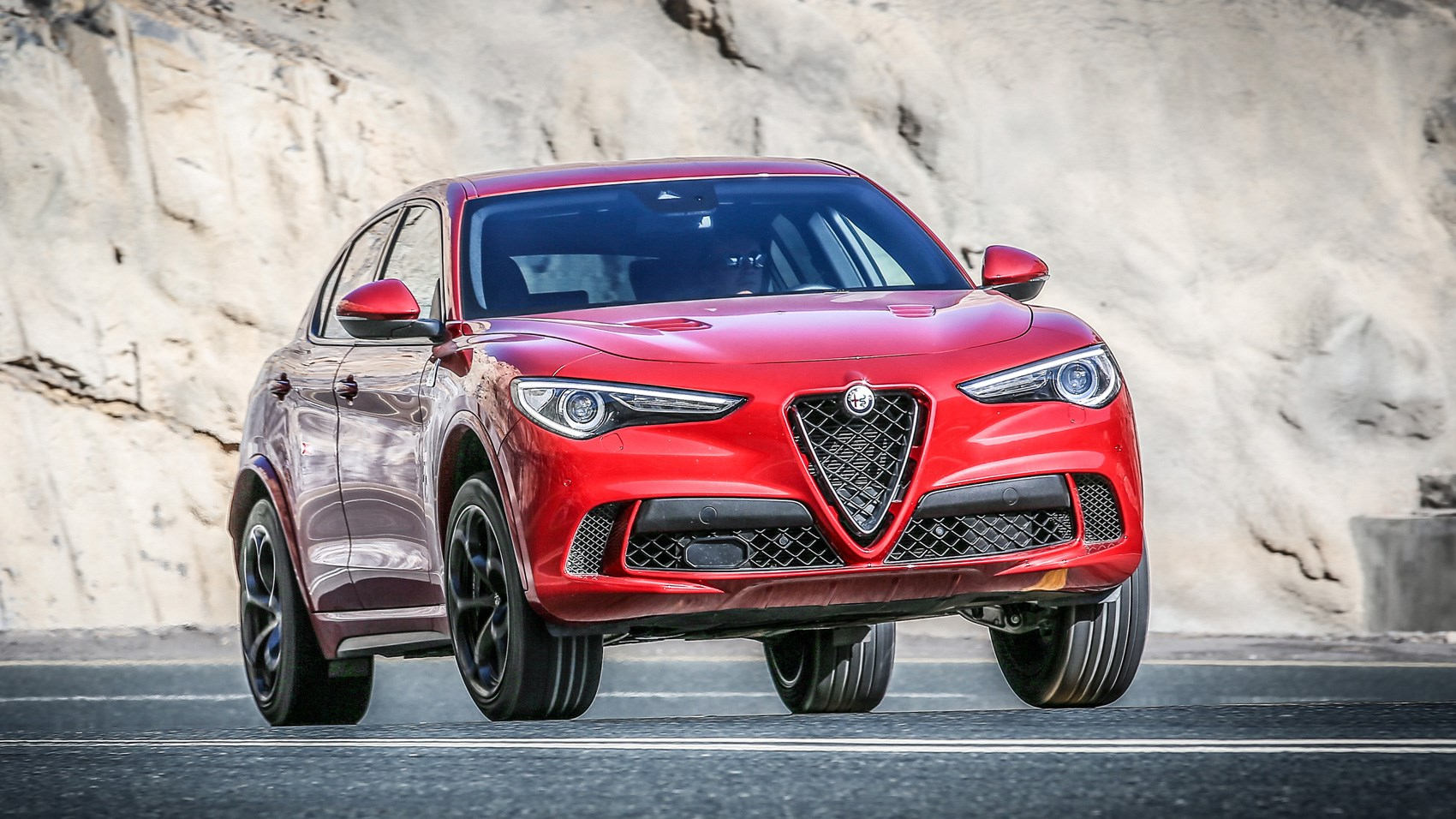 alfa romeo stelvio quadrifoglio 2018 review a mixed bag car magazine. Black Bedroom Furniture Sets. Home Design Ideas