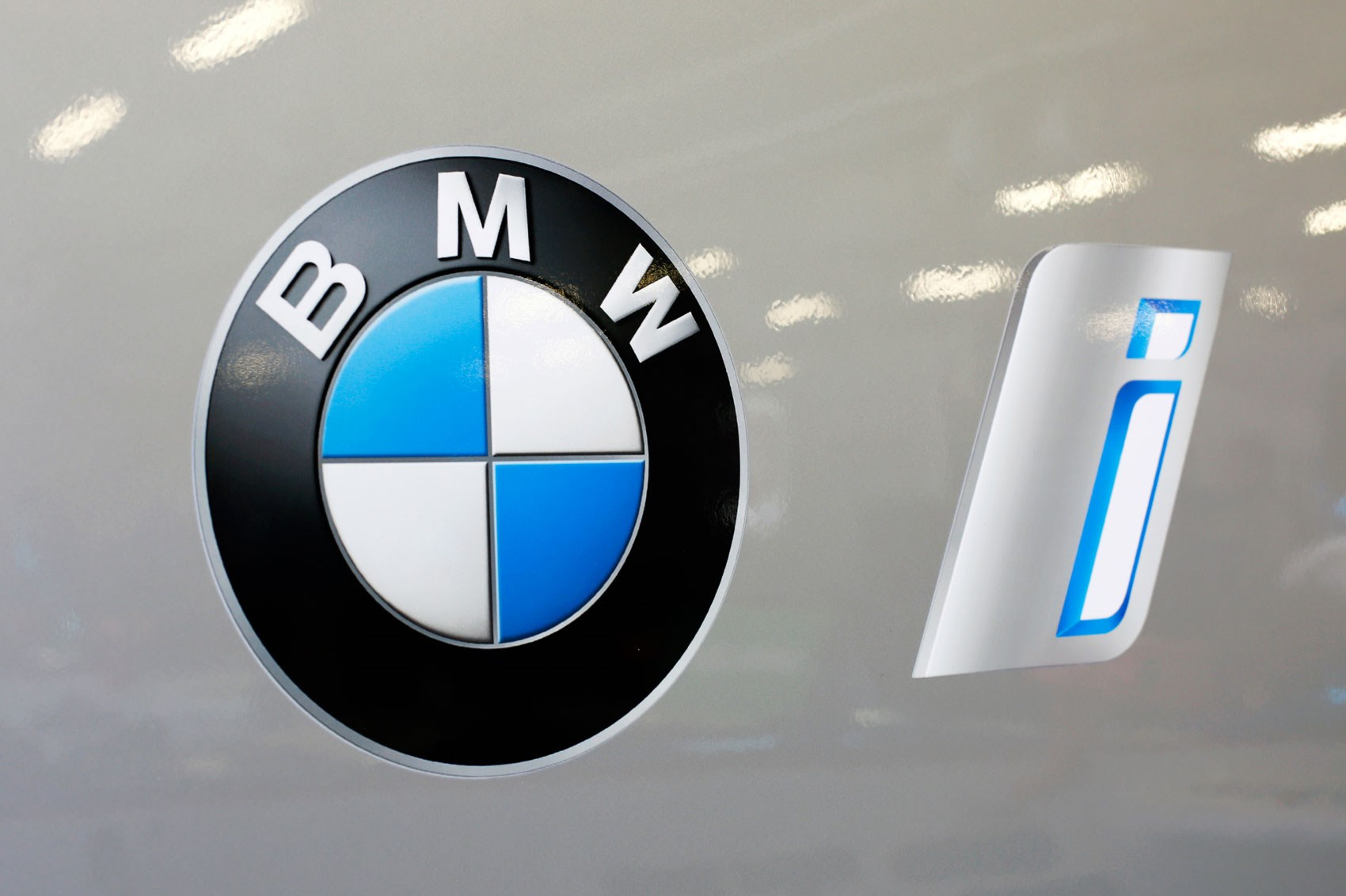 Bmw S Electric Offensive 25 Hybrids And Evs By 2025 Car