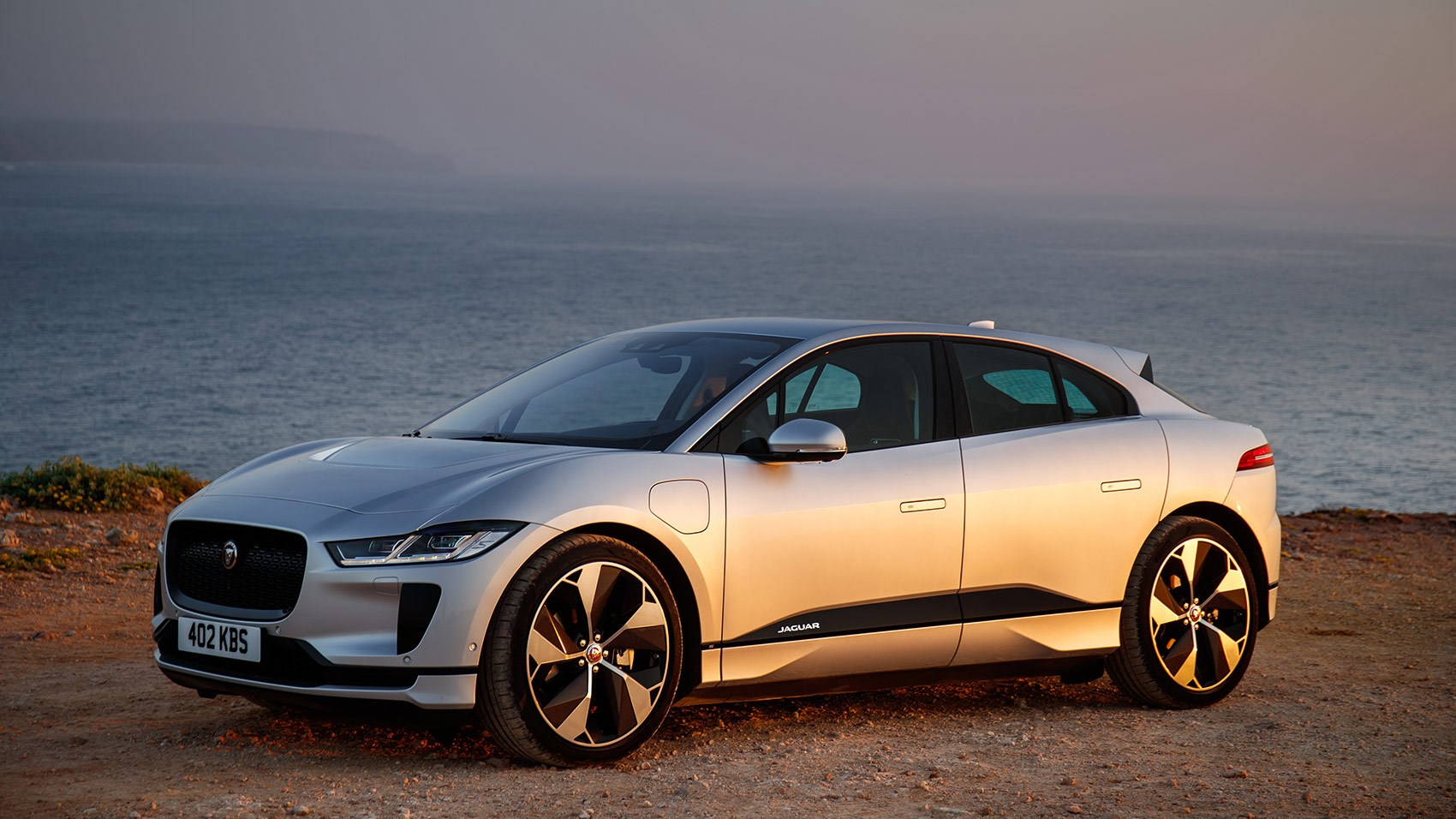 jaguar i pace 2018 review specs prices pictures on sale date car magazine. Black Bedroom Furniture Sets. Home Design Ideas