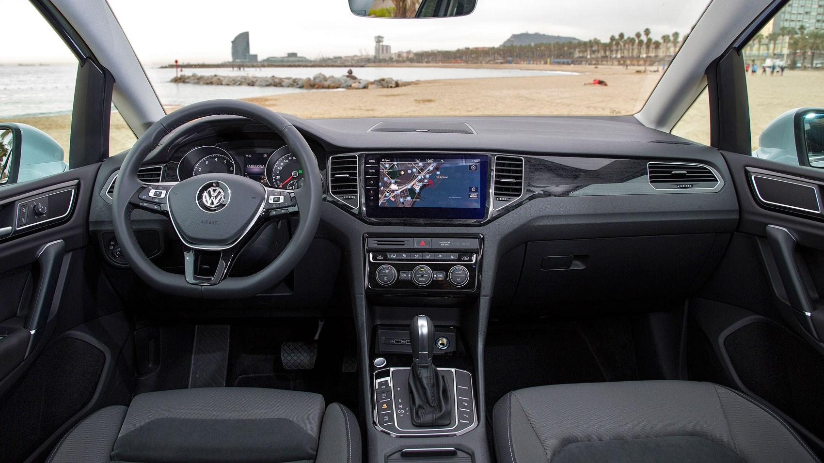 Vw Golf Sv 2018 Review Car Magazine