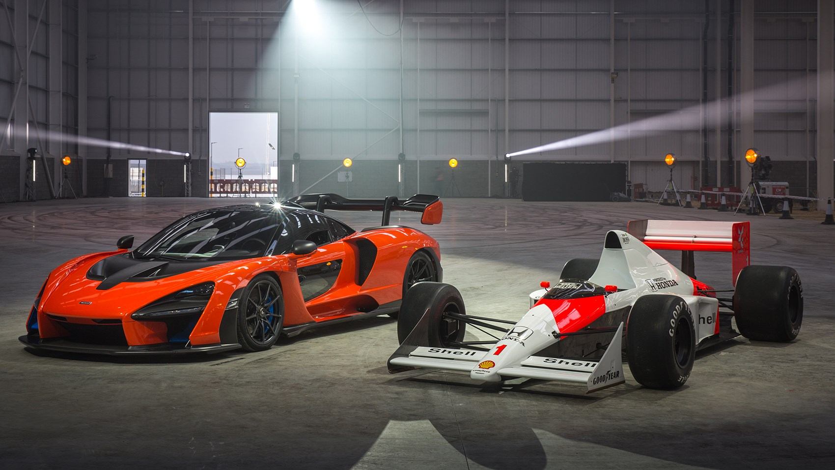 McLaren Senna: MSO unveils extreme Carbon Theme by CAR ...