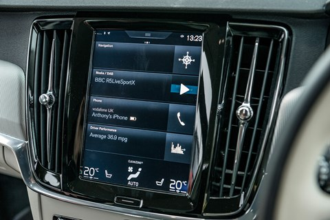 Volvo V90 Sensus infotainment system: an easy touchscreen to operate