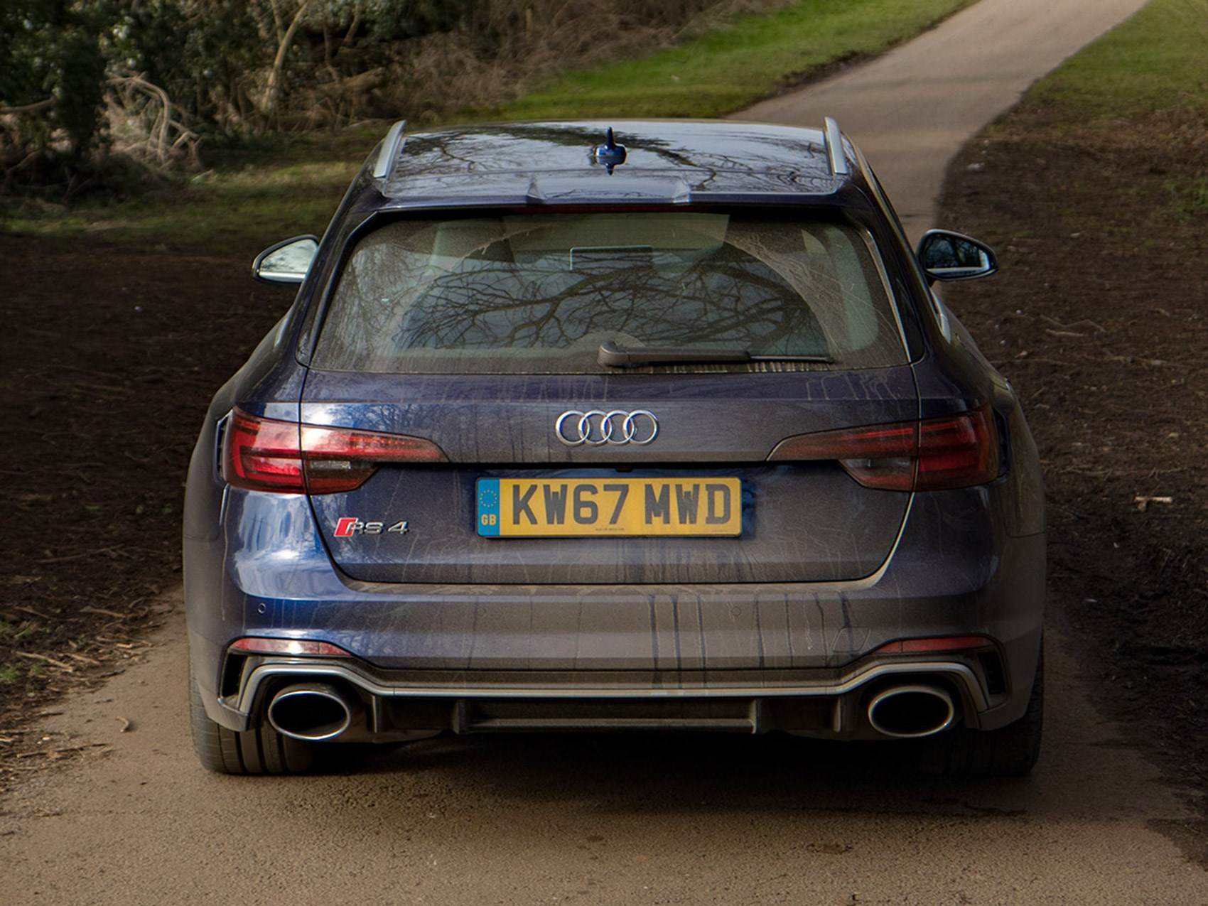 Audi RS4 specs: a 2.9-litre V6 bi-turbo, driving all four Quattro wheels