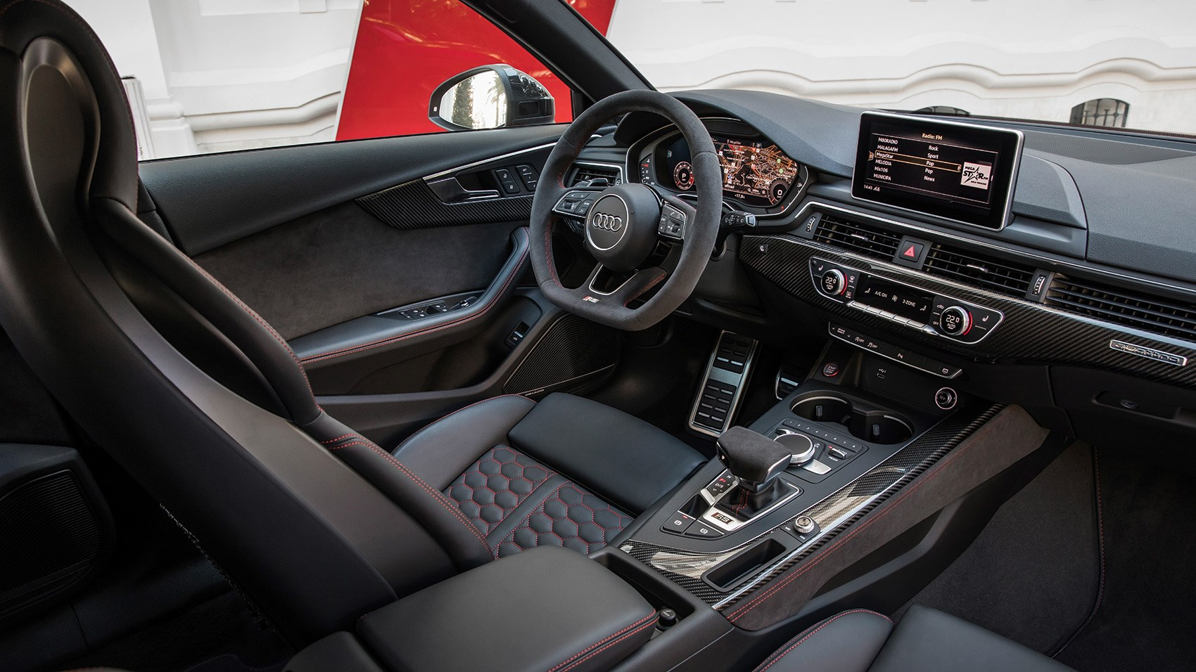 New 2018 Audi RS4 Avant interior