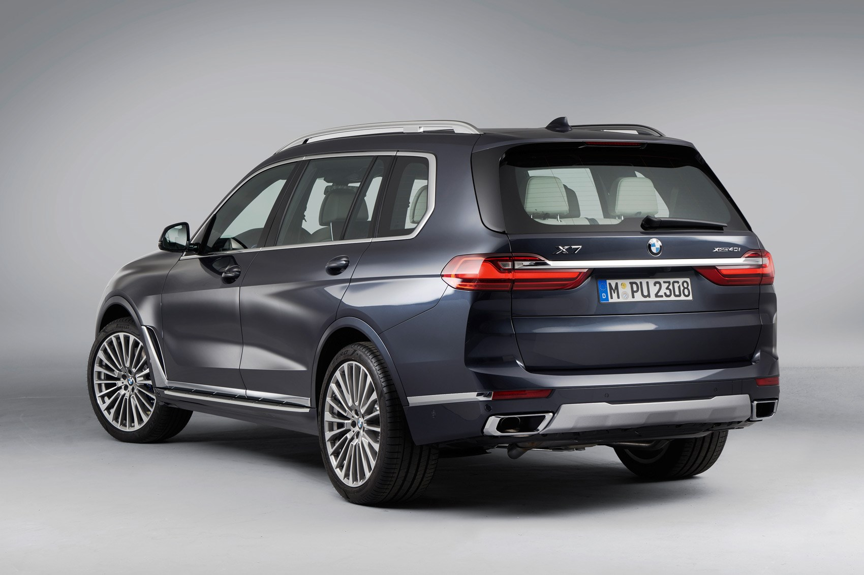 All New Bmw X7 Munich S Monolith Is Here Car Magazine