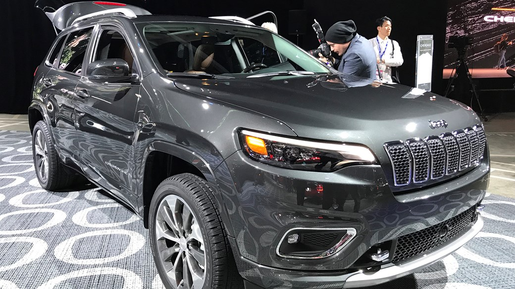 Jeep Cherokee (2018): facelifted SUV unveiled at Detroit show