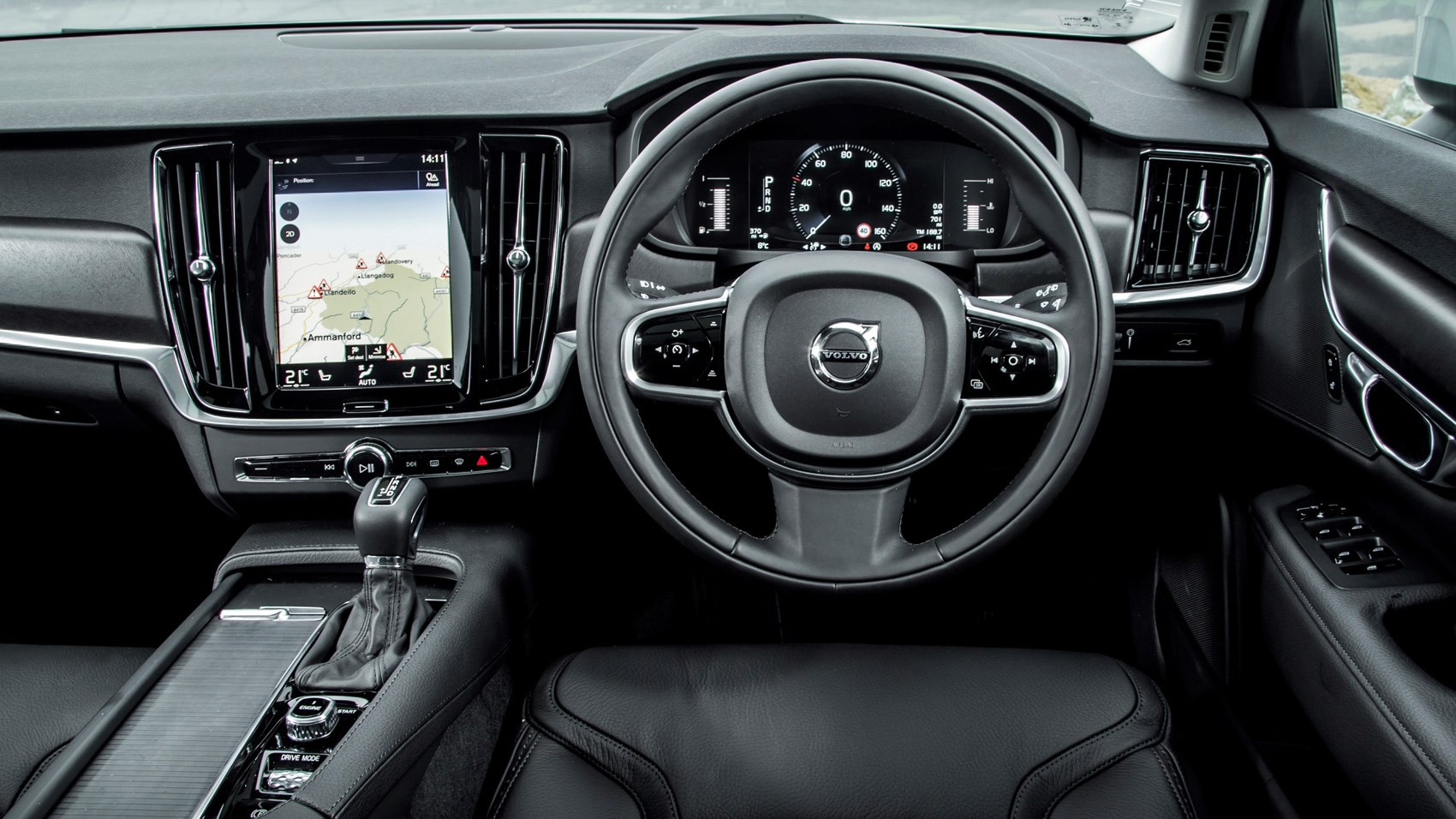 volvo v90 d5 cross country pro 2017 review car magazine. Black Bedroom Furniture Sets. Home Design Ideas