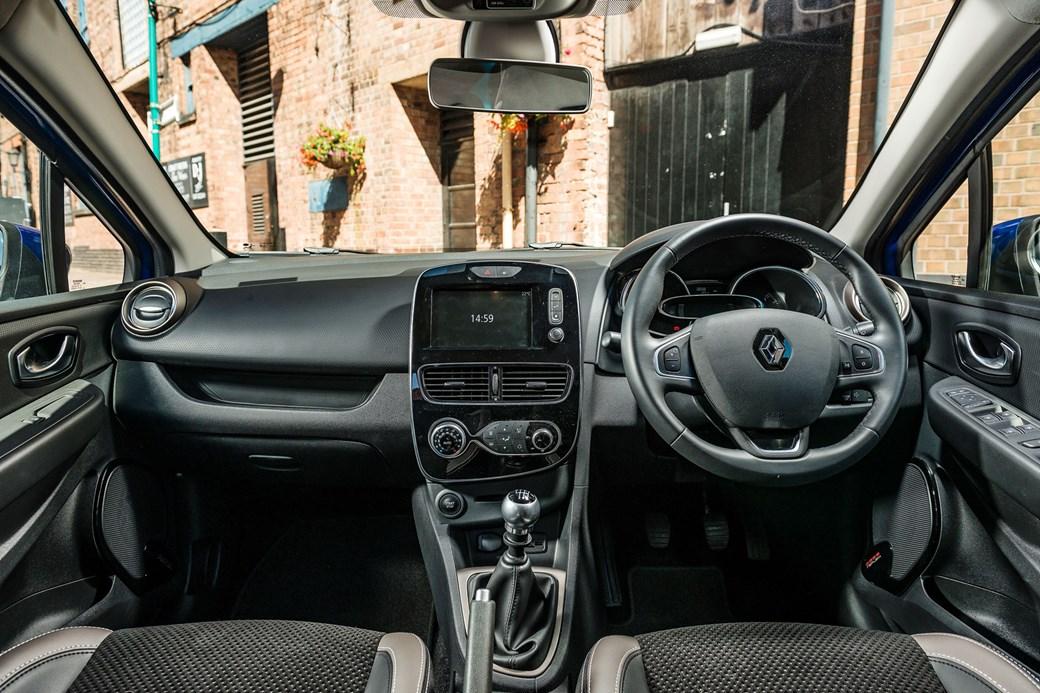 Fiesta vs Ibiza vs Clio renault interior