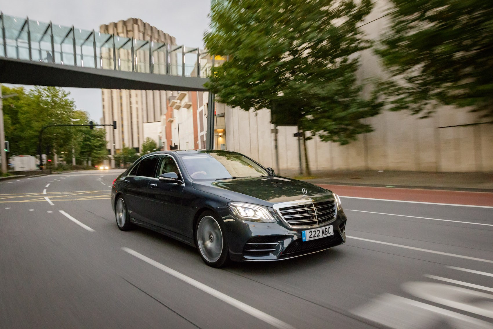 Mercedes-Benz S350d L AMG Line (2017) review by CAR Magazine